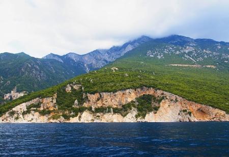 Cruise around the Agion peninsula oros.