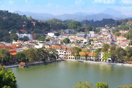 View on Kandy City, SriLanka Standard-Bild