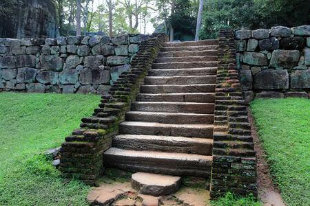 sigiriya: Stairs in old Sigiriya Castle
