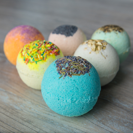 Scope bath. Cosmetic bomb. Meant for relaxation and body care