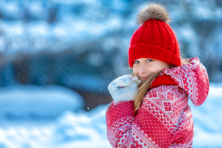 Portrait of a cheerful child in the winter outdoors Reklamní fotografie