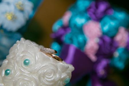 weddingrings: Wedding rings on candle