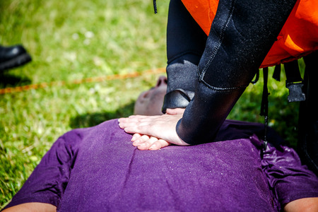 making cardiopulmonary resuscitation to an unconscious guy after heart attack