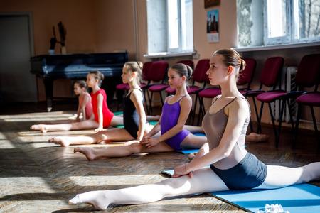 MINSK, BELARUS - 1 APRIL, 2019: children do ballet in ballet school Reklamní fotografie - 120753549