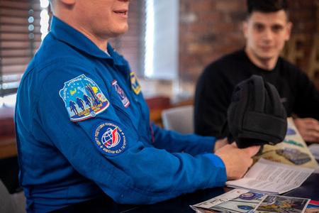 MINSK, BELARUS - 1 MARTH, 2019: Russian cosmonaut Oleg Artemyev Redactioneel