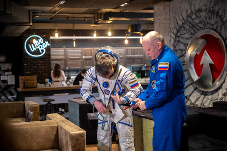 MINSK, BELARUS - 1 MARTH, 2019: Russian cosmonaut Oleg Artemyev 新聞圖片