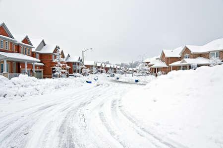 작은 캐나다의 마을에 눈이 겨울 스톡 콘텐츠
