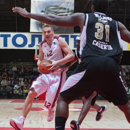 nesterov: TOLYATTI, RUSSIA - NOVEMBER 16: Konstantin Nesterov of BC Krasnye Krylia with the ball attacking BC JuveCaserta Basket November 16, 2010 in Tolyatti, Russia. Editorial