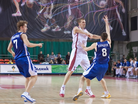nesterov: SAMARA, RUSSIA - DECEMBER 18: Konstantin Nesterov of BC Krasnye Krylia makes the pass of a player of his team against BC Dynamo December 18, 2010 in Samara, Russia.