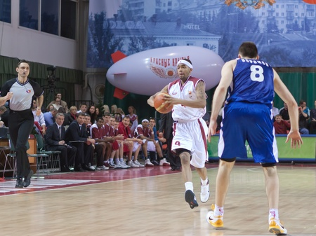 pbl: SAMARA, RUSSIA - DECEMBER 18: Brion Rush of BC Krasnye Krylia makes the pass of a player of his team against BC Dynamo December 18, 2010 in Samara, Russia.