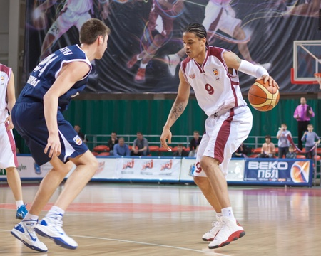 nesterov: SAMARA, RUSSIA - MAY 15: Gerald Green of BC Krasnye Krylia, with ball, is on the attack during a BC Triumph game on May 15, 2011 in Samara, Russia. Editorial