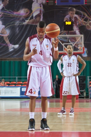 pbl: SAMARA, RUSSIA - JUNE 04: Brion Rush of BC Krasnye Krylia gets ready to throw from the free throw line in a game against BC Enisey on June 04, 2011 in Samara, Russia.
