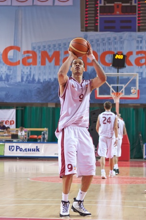 pbl: SAMARA, RUSSIA - JUNE 14: Gerald Green of BC Krasnye Krylia throw from the free throw line in a game against BC Spartak on June 14, 2011 in Samara, Russia.