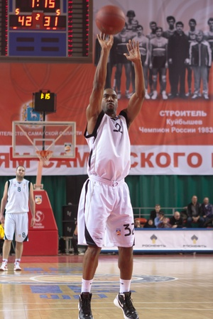 miles aaron marquez: SAMARA, RUSSIA - FEBRUARY 18: Aaron Marquez Miles of BC Krasnye Krylia throw from the free throw line in a game against BC Spartak-Primorye on February 18, 2012 in Samara, Russia.
