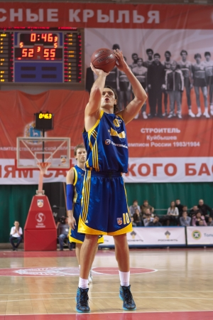 pbl: SAMARA, RUSSIA - APRIL 01: Loncar Kresimir of BC Khimki throw from the free throw line in a game against BC Krasnye Krylia on April 01, 2012 in Samara, Russia.