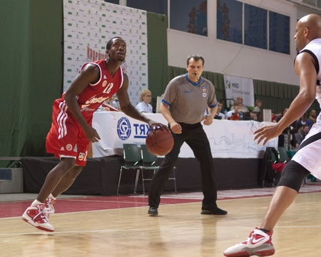 pbl: SAMARA, RUSSIA - MAY 03: Patrick Beverley of BC Spartak, with ball, is on the attack during a BC Krasnye Krylia game on May 03, 2012 in Samara, Russia.