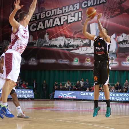 vasiliev: SAMARA, RUSSIA - JANUARY 15: Pierre Hampton of BC Norrkoping Dolphins makes 3-point shot in a game against BC Krasnye Krylia on January 15, 2012 in Samara, Russia.