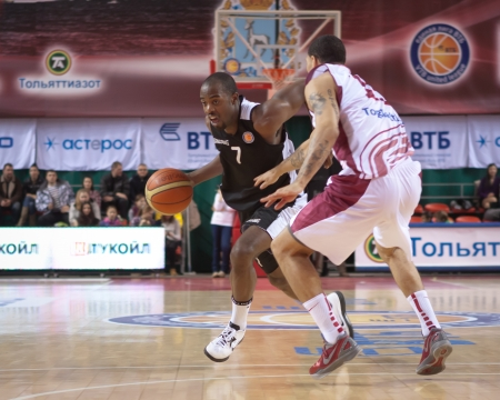 abbott: SAMARA, RUSSIA - MARCH 09: Tyshawn Abbott of BC Kalev with ball tries to go past a BC Krasnye Krylia player on March 09, 2013 in Samara, Russia.