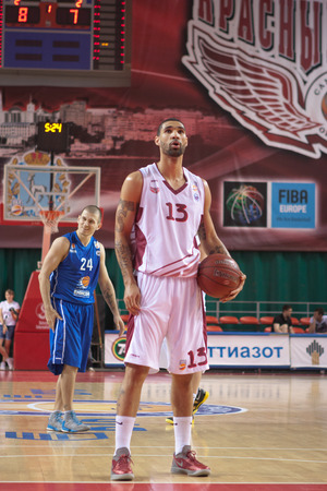 pbl: SAMARA, RUSSIA - MAY 11: Chester Simmons of BC Krasnye Krylia gets ready to throw from the free throw line in a game against BC Enisey on May 11, 2013 in Samara, Russia. Editorial