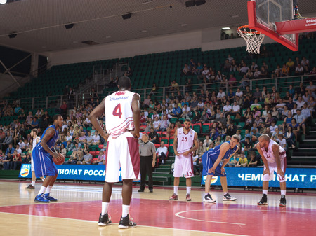 pbl: SAMARA, RUSSIA - MAY 11: Jerry Jefferson of BC Enisey gets ready to throw from the free throw line in a game against BC Krasnye Krylia on May 11, 2013 in Samara, Russia. Editorial