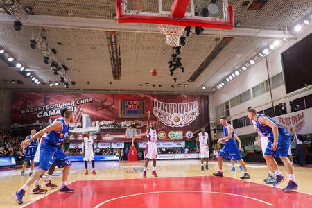 32: SAMARA, RUSSIA - NOVEMBER 09: BC Krasnye Krylia guard Aaron Miles (32) shoots a free throw during the BC Neptunas game on November 09, 2013 in Samara, Russia.