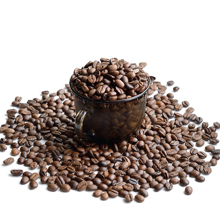 Tasse Kaffee Bohnen isolated on white background Standard-Bild - 43207208