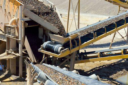 Die Bergbauindustrie. Herstellungsverfahren - Lizenzfreies Foto Standard-Bild - 43207471