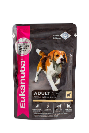 incorporated: OKT 26, 2016 PILOS, GREECE: Eukanuba chicken ragout, pouches of dog food. Eukanuba is a brand of dog food sold throughout the world, owned by the American group Mars, Incorporated