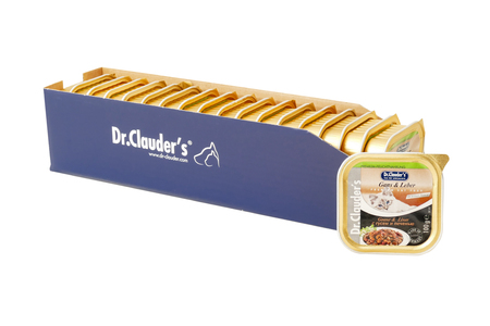Dr.Clauder with goose and liver, pouches of cat food. Dr.Clauder is a brand of cat food. JAN 22, 2019 PILOS, GREECE: Редакционное