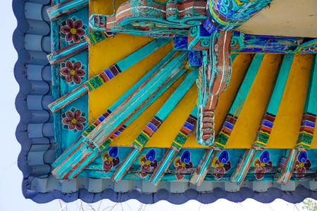 The colorful roof of a Korean temple