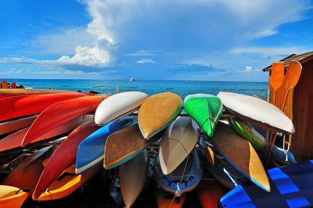 ocean kayak: colorful kayaks Foto de archivo