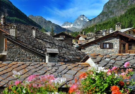 view on alps town Rhemes Notre Dame, Valle dAosta, Italy 版權商用圖片