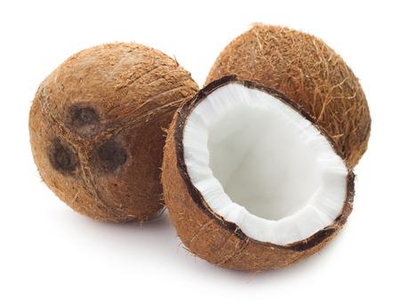 cocotier: Vue rapprochée de noix de coco isolé sur fond blanc Banque d'images