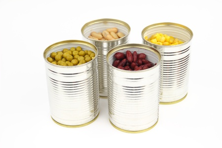 The tins with peas, bean, red bean, corn on the white background Stock Photo - 17946836