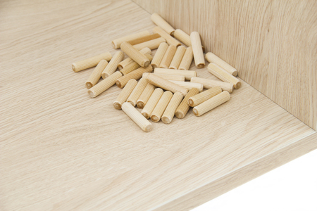 chipboard: Chipboard with wooden pin