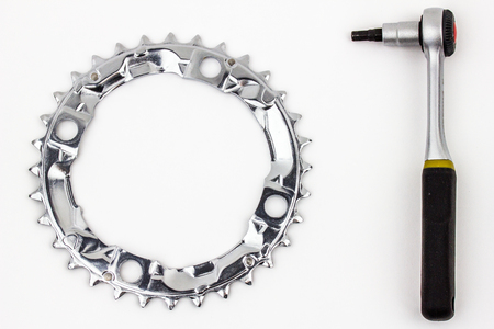 Part for bicykle - the chainring and tool for chainring installation and removal