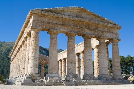 egesta: Doric Temple built probably around 430 BC is one of the most perfect monuments with proportions of rare harmony . The 36 columns of the peristyle are almost completely intact. No one knows to which god was dedicated or if it was ever completed. It appea