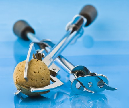 gripper: kitchen or tableware utensil - gripper and semi-automatic salad-fork