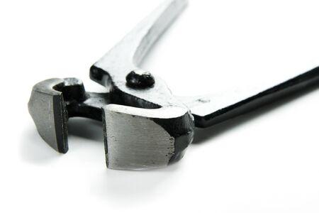 tenailles: pinces en m�tal noir isol� sur fond blanc Banque d'images