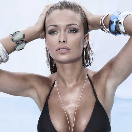 hot breast: Summer photo of beautiful sexy woman. Beauty portrait. Фото со стока