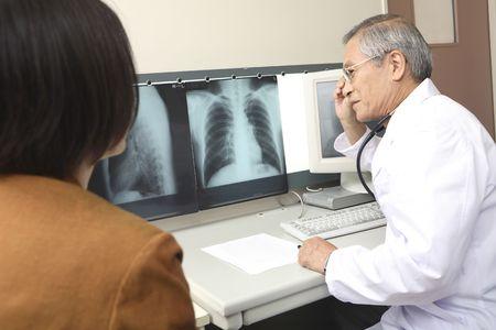 explaining: Doctor explaining