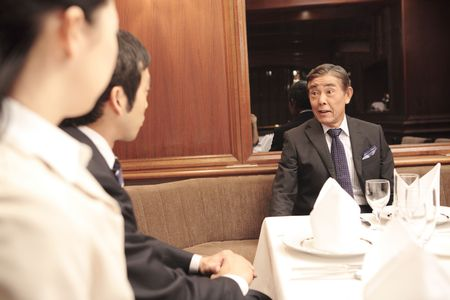 superiors: Scene of dinner meeting