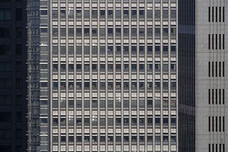Edificio de oficinas Foto de archivo - 39744590