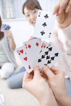 jeu de carte: Femme japonaise jeu de cartes playinng Banque d'images