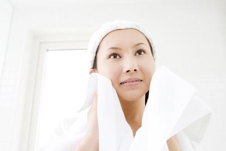 los seres vivos: Limpieza facial Foto de archivo