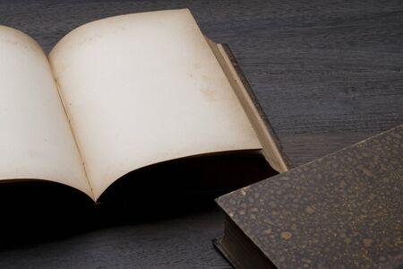 hon: Antique book