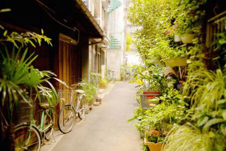 retro: Small alley