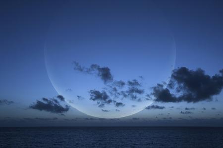 amanecer: La luna y el cielo