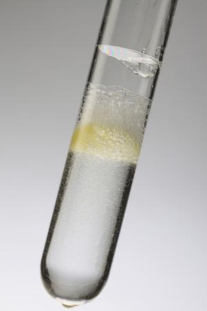 テスト チューブ