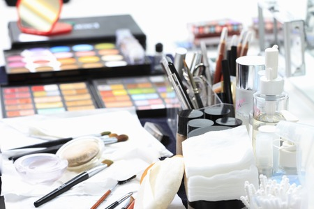 Herramientas de maquillaje Foto de archivo - 49506630
